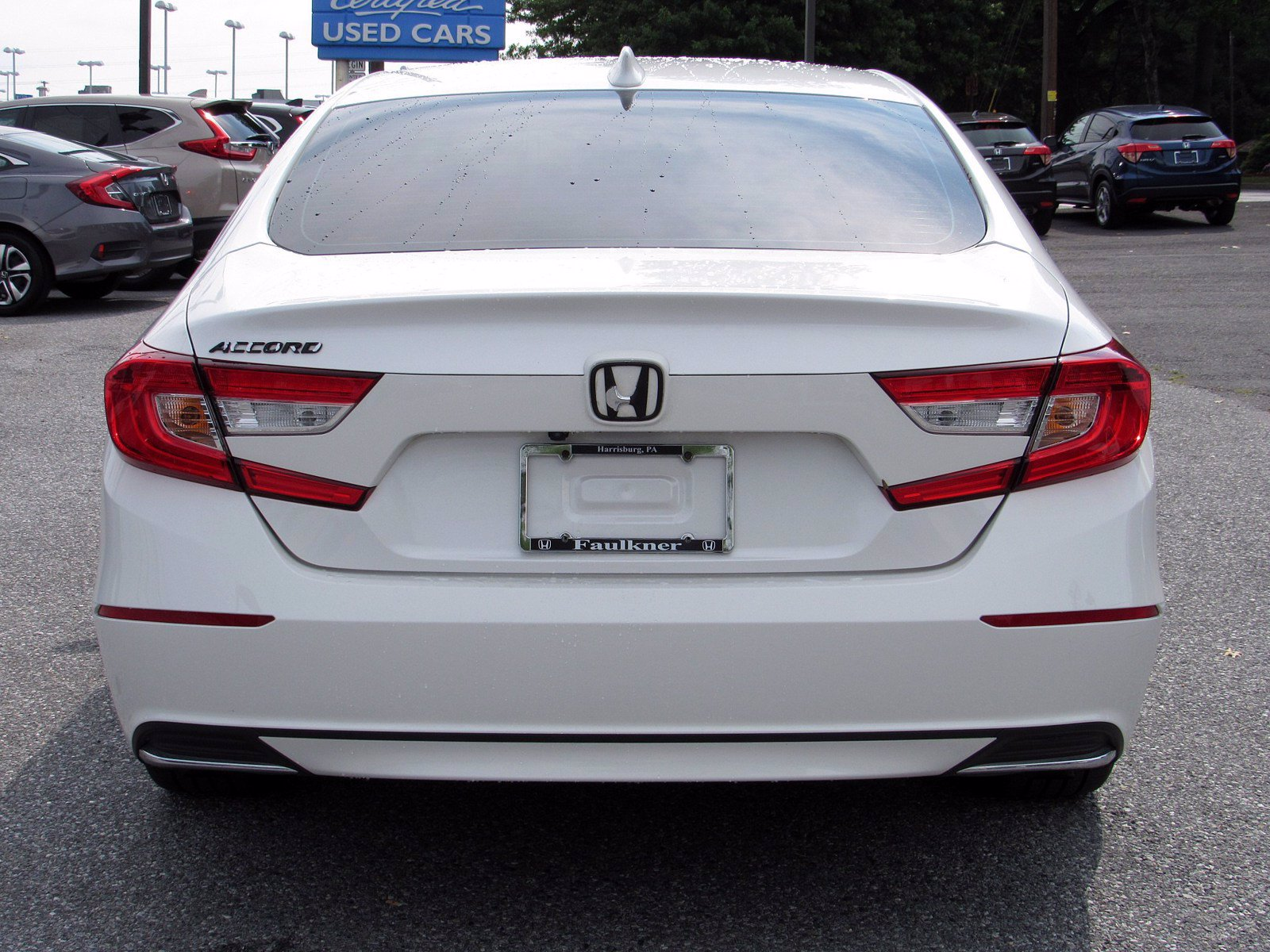 Pre-Owned 2018 Honda Accord Sedan LX 1.5T